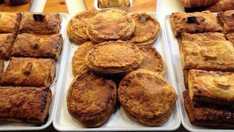 lavienesa.es - Surtido de empanadas tamaño ración - Panadería La Vienesa
