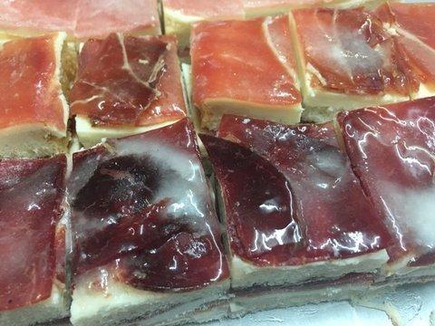 lavienesa.es - Sandwiches de cecina y jamón - Panadería La Vienesa