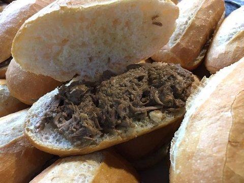 lavienesa.es - Bocadillo de carne guisada - Panadería La Vienesa